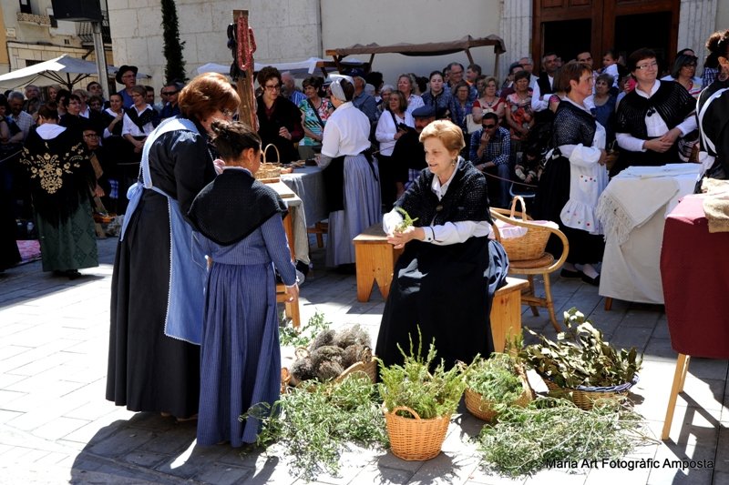"""Exposició """"10 anys de la Festa del Mercat a la Plaça d'Amposta. Tradició i cultura ebrenques"""""""