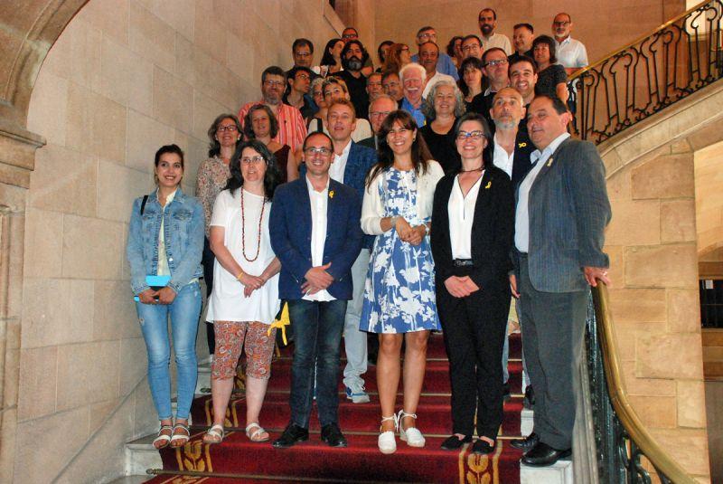 La Consellera de Cultura ha signat un nou conveni amb les vint-i-quatre entitats que conformen la Xarxa de l'Observatori del Patrimoni Etnològic i Immaterial