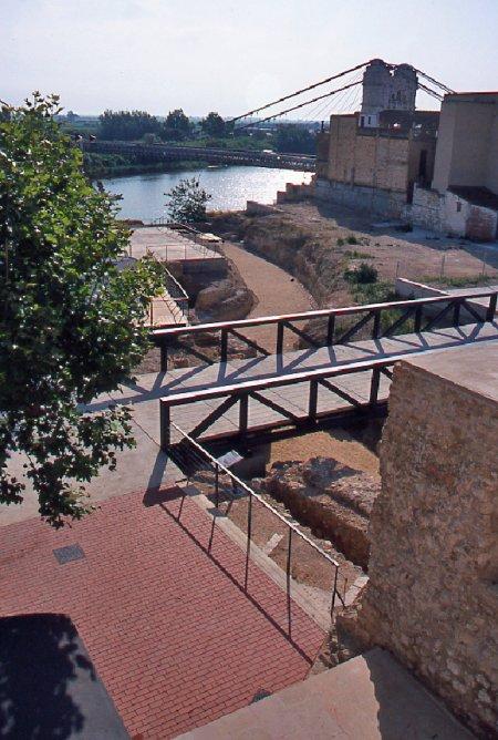 Museu de les Terres de l´Ebre : Serveis turístics : El castell d'Amposta, porta de l'Ebre
