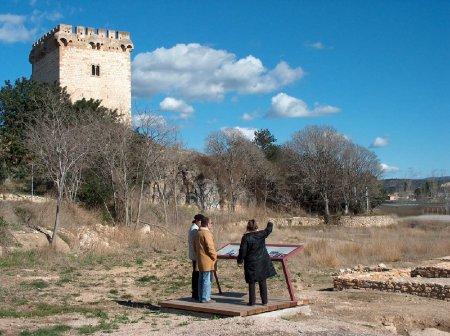 Museu de les Terres de l´Ebre : Serveis turístics : Vil·la i Torre de la Carrova, vigies de la vall de l'Ebre