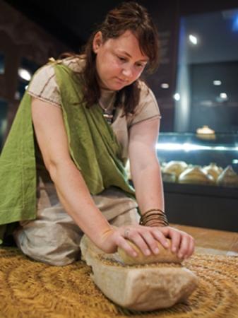 Museu de les Terres de l´Ebre : Serveis educatius : Els ibers, una cultura de fa 2.000 anys